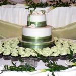 00 Callas and spring green cupcakes