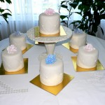 0007 Diamonds and flowers mini cakes