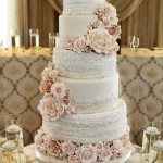 Ruffles and a lot of roses - Maneli cake small